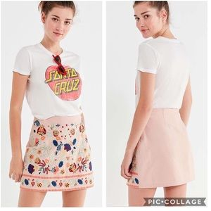 EUC Urban Outfitters floral embroidered mini skirt